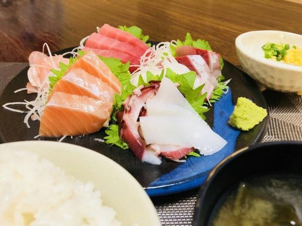 """ランチ""""刺身5品定食""""❤︎"""